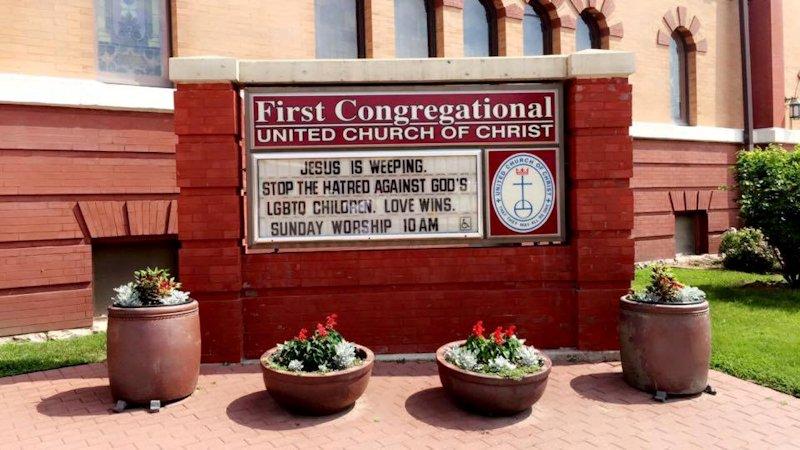 First Congregational UCC, Mason City, IA